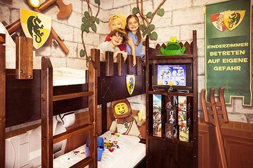 schaurig sch ne halloween wochen im legoland deutschland resort die reiseshow. Black Bedroom Furniture Sets. Home Design Ideas